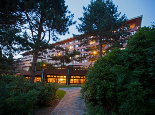 Charles De Gaulle to Sequoia Lodge